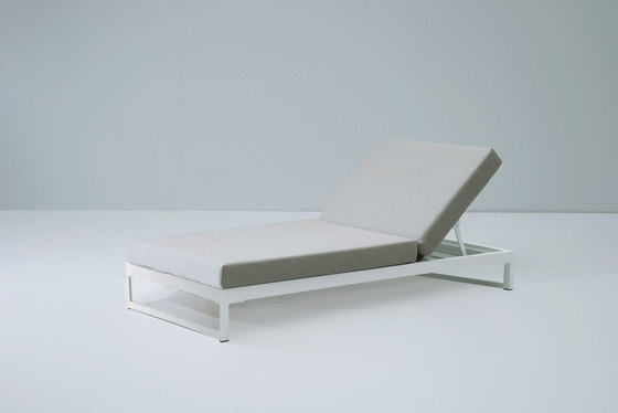 Landscape lounger with 5-position by KETTAL | Sun loungers