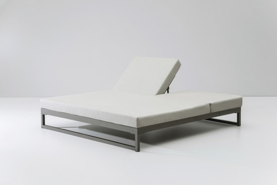 Landscape double lounger with 5-position de KETTAL | Méridiennes de jardin