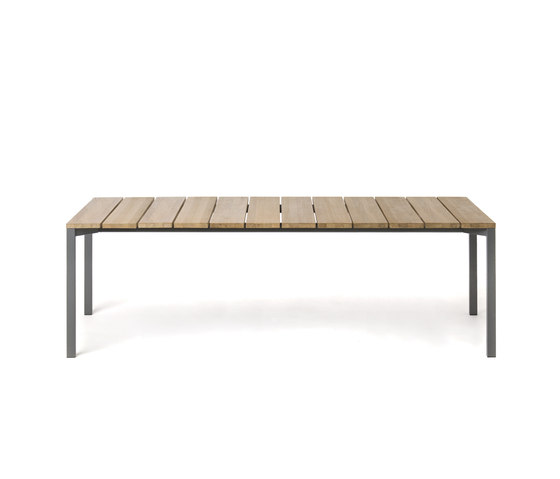 LIGHT PIER 023 by Roda | Dining tables
