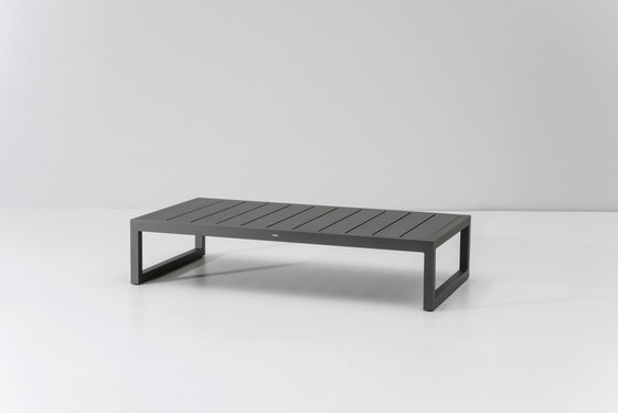 Landscape centre table by KETTAL | Coffee tables