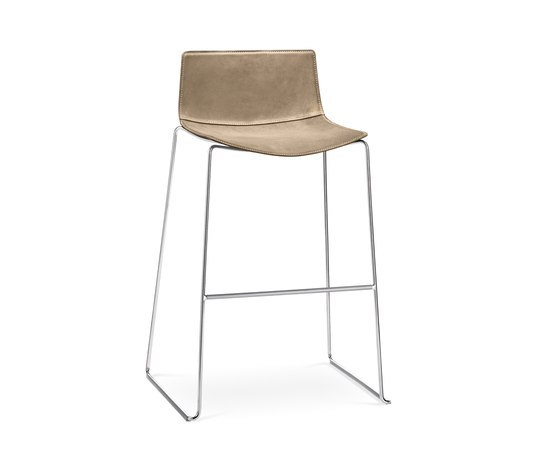 Catifa 46 | 0481 by Arper | Bar stools