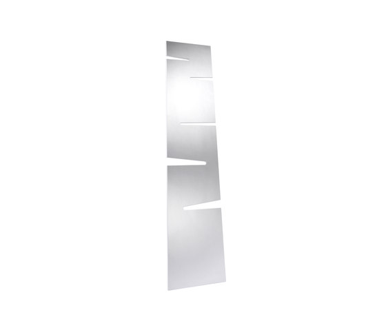 Lean Mirror by EX.T | Towel rails