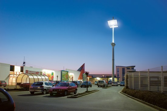 HIT Supermarket by ewo | Street lights