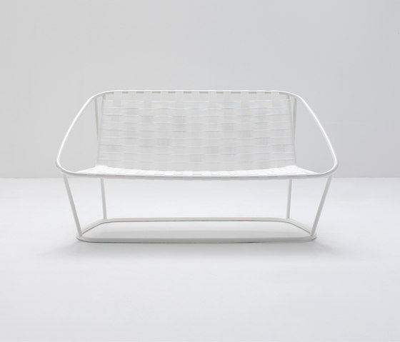 Cloud Small sofa by ARFLEX | Garden sofas
