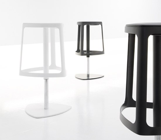 Clip by Bonaldo | Bar stools