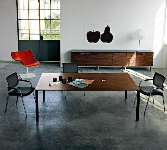 Diamond Meeting by Sinetica Industries | Individual desks