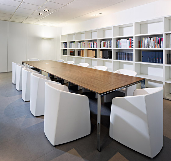 Diamond Meeting by Sinetica Industries | Conference tables