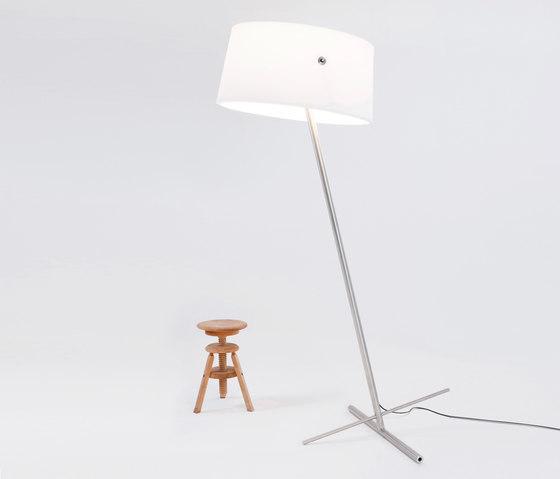 Slant Floor by serien.lighting | General lighting