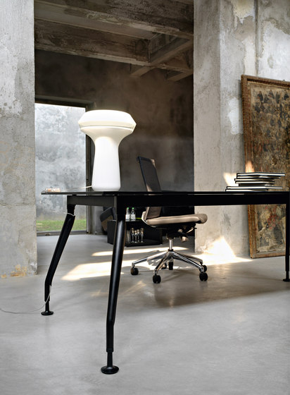 Glamour Executive by Sinetica Industries | Individual desks