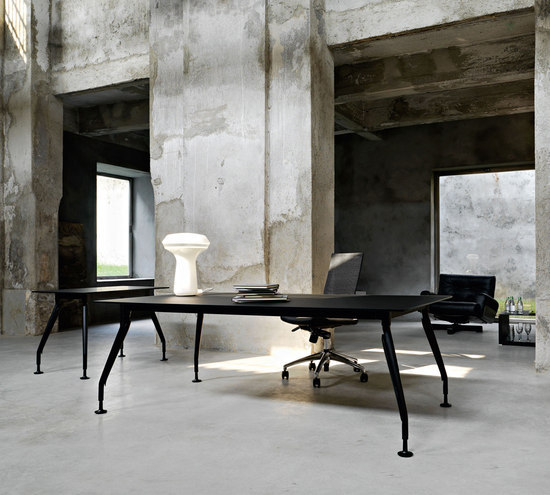 Glamour Executive by Sinetica Industries | Executive desks