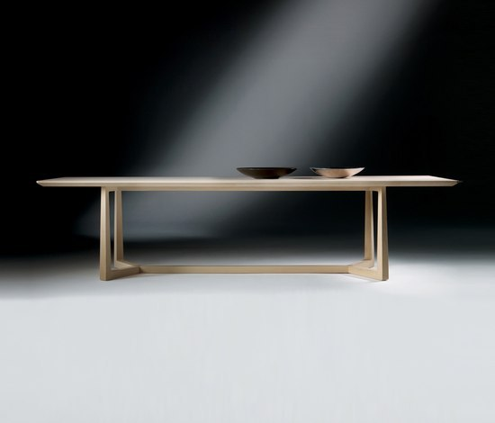 Jiff dining table by Flexform | Restaurant tables