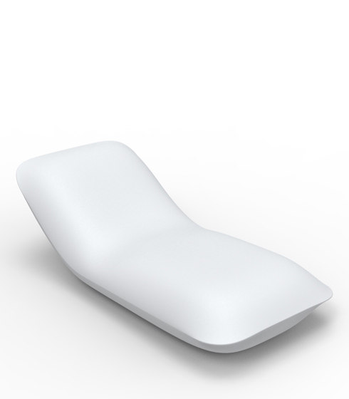 Pillow sun chaise by Vondom | Sun loungers
