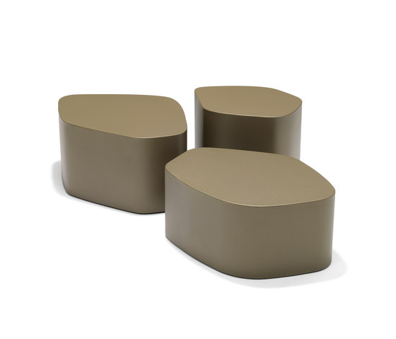 Callipepla by mossi | Poufs