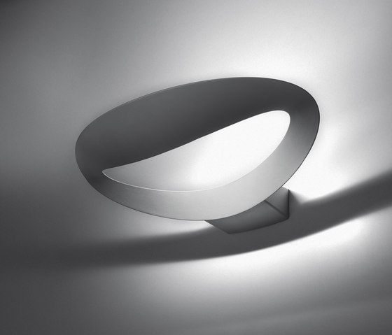 Mesmeri Wall Lamp by Artemide | General lighting
