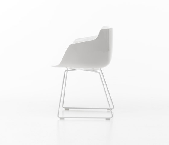 Flow armchair* by MDF Italia | Visitors chairs / Side chairs