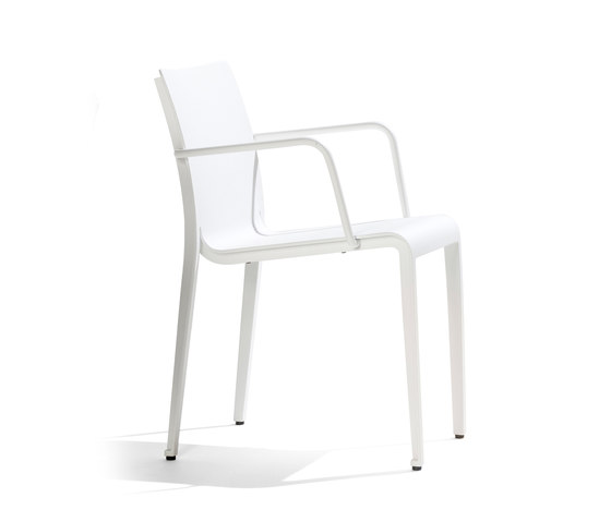 Mirthe Armchair by Tribù | Garden chairs