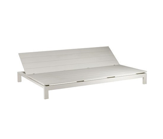 Kos Laquered Adjustable Daybed by Tribù | Sun loungers