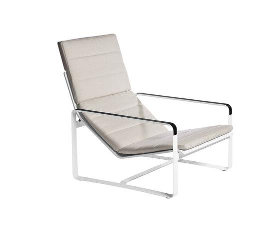 Neutra Easy chair di Tribù | Poltrone da giardino