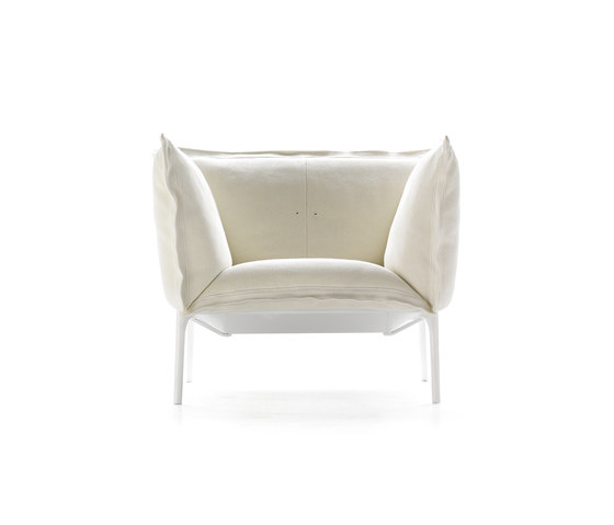 Yale armchair* by MDF Italia | Lounge chairs