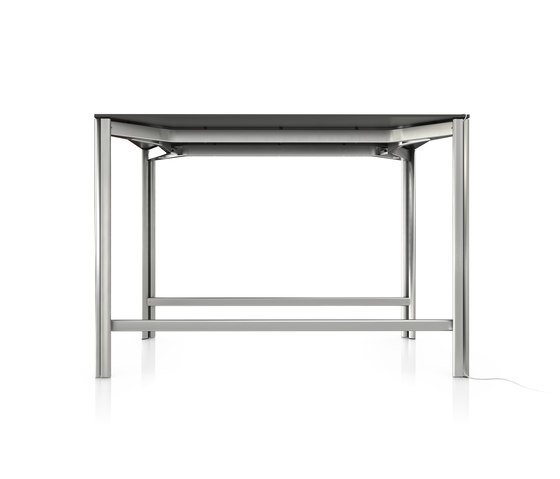 P5 by B+W | Standing meeting tables