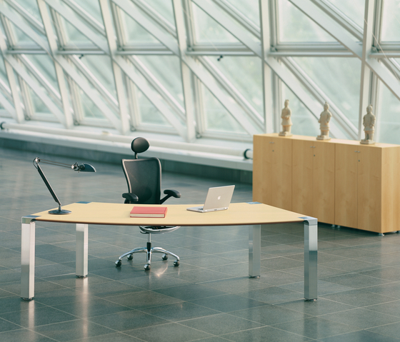 CONLINE.M by König+Neurath | Executive desks