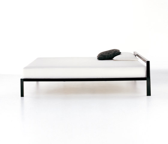 Aluminium Bed by MDF Italia | Double beds