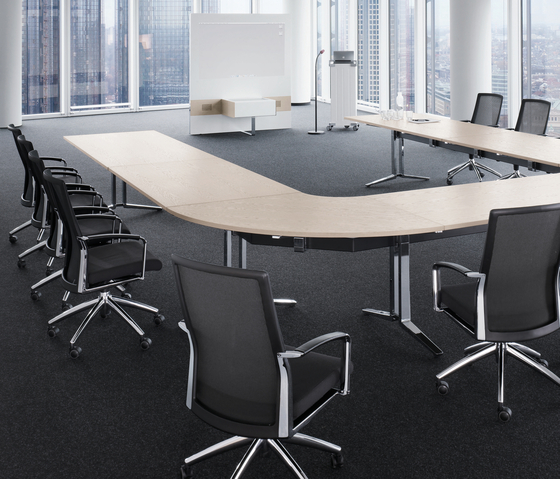 PLENUM.K Conference by König+Neurath | Conference tables