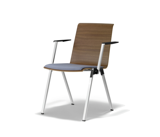 PUBLICA Visitors chair by König+Neurath | Visitors chairs / Side chairs