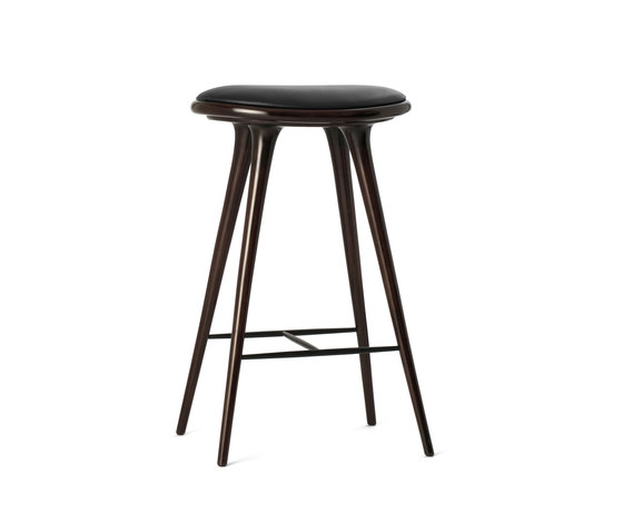 High Stool dark stained hardwood 74 de Mater | Tabourets de bar