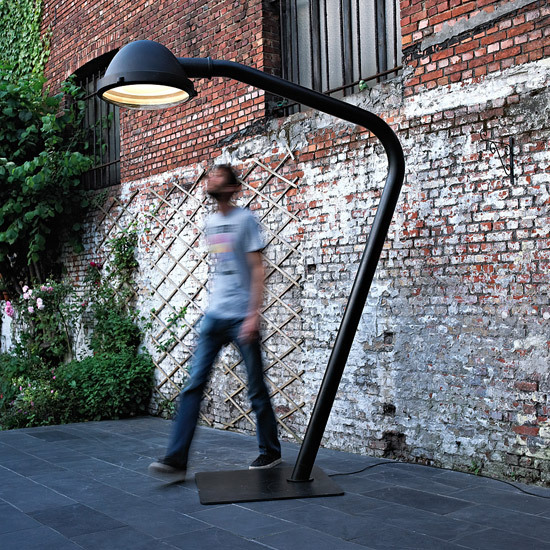 Outsider - floor lamp by Jacco Maris | General lighting