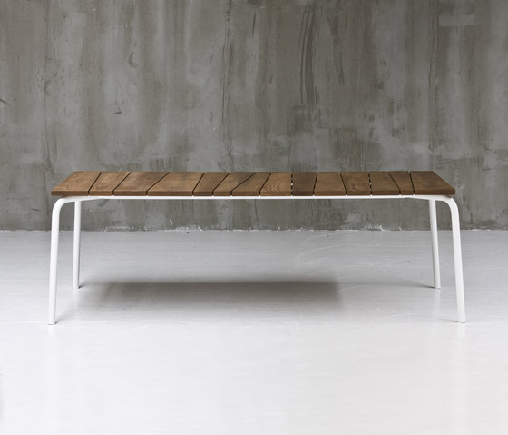 InOut 833 by Gervasoni | Restaurant tables
