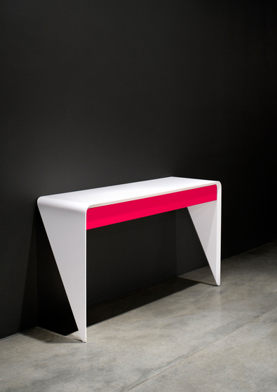 Manta Console by Dune | Wall shelves