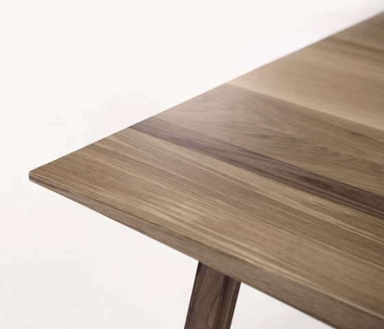 Hull by Foundry | Dining tables