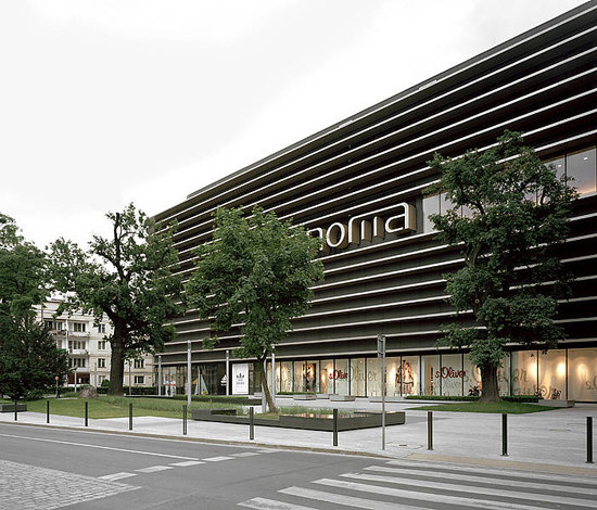 Renoma Shopping Centre by Rieder | Facade design