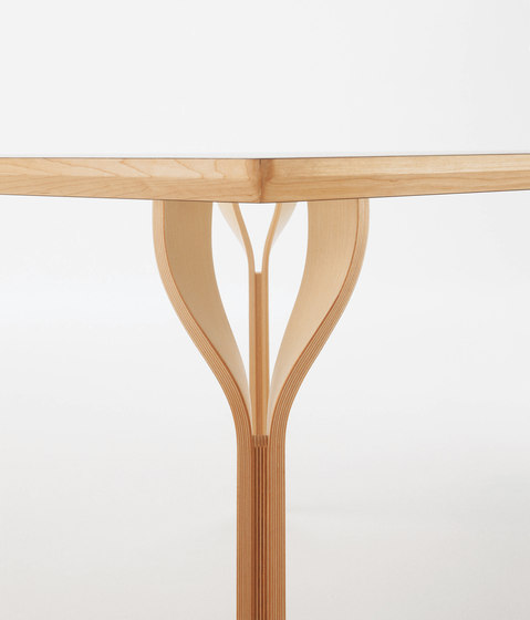 Blossom by De Padova | Dining tables