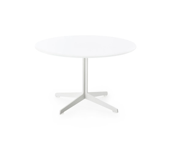 Space™ | JL60 by Fritz Hansen | Side tables