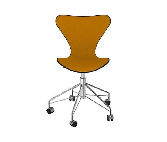 serie 7 von fritz hansen modell 3107 modell 3207. Black Bedroom Furniture Sets. Home Design Ideas