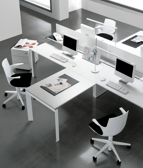 DV801-Entity by DVO | Desking systems