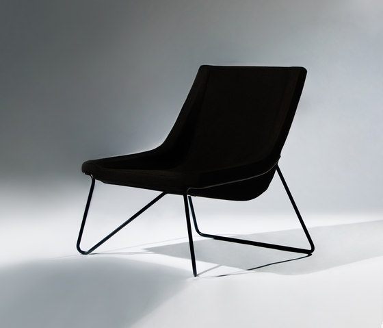 Apollo – Easy Chair de RVW Production | Fauteuils