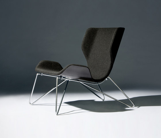 Mollis – Easy Chair by RVW Production | Armchairs