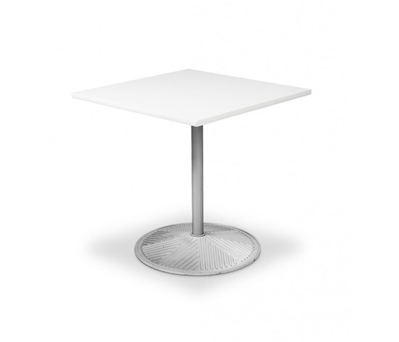 Plasma 820/821/822 by Engelbrechts | Cafeteria tables
