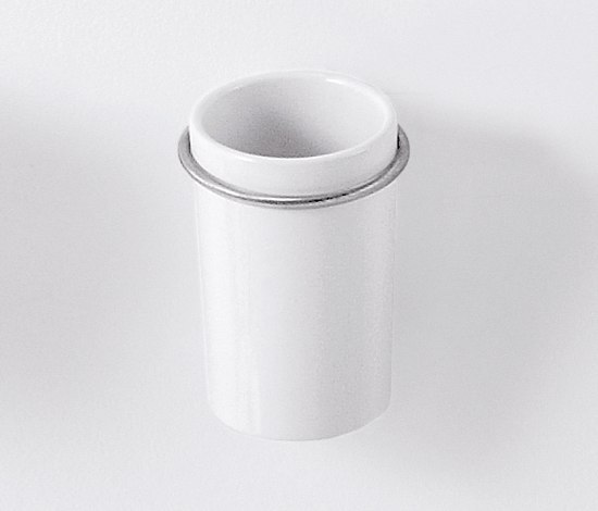 Bucatini - 01 by Agape | Toothbrush holders