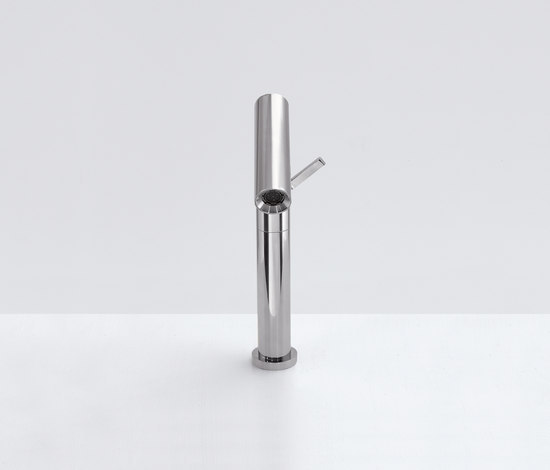 Square - RUB951 by Agape | Bidet taps