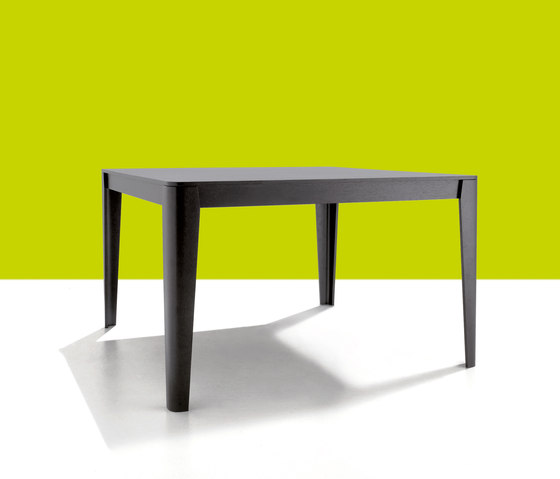 Compensato by Agapecasa | Dining tables