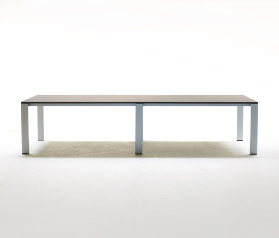Graphic by Arco | Restaurant tables