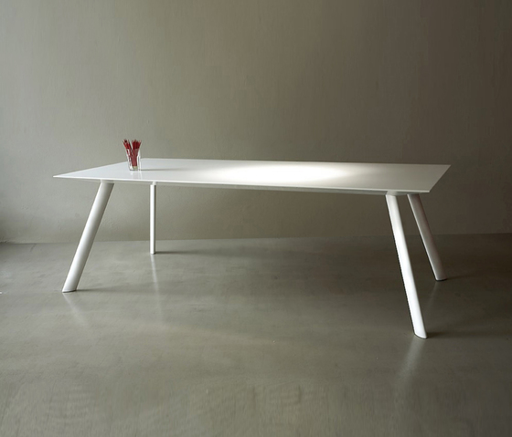 Bridge table by AMOS DESIGN | Executive desks