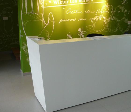 Whitecone reception by AMOS DESIGN | Reception desks