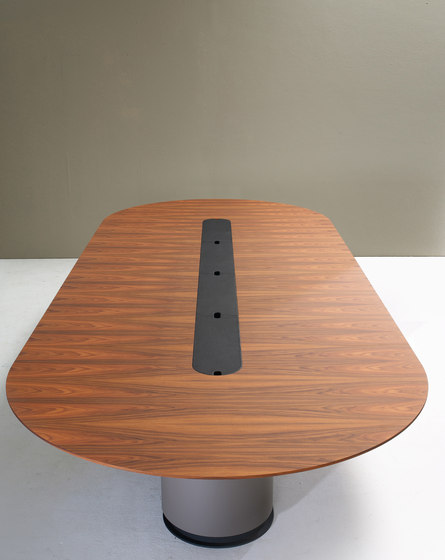 Spazio conference by Arco | Contract tables