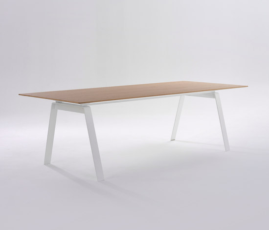Vista by Arco | Individual desks