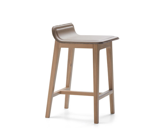 Laia Stool low back de Alki | Taburetes de bar